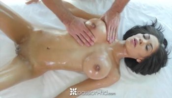 Cute and chubby babe getting her pussy filled up